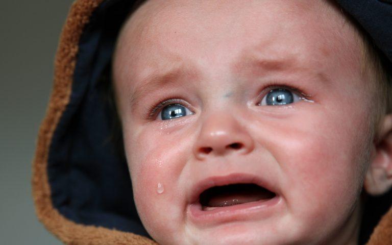 "article ""Comment calmer un bébé qui pleure"""